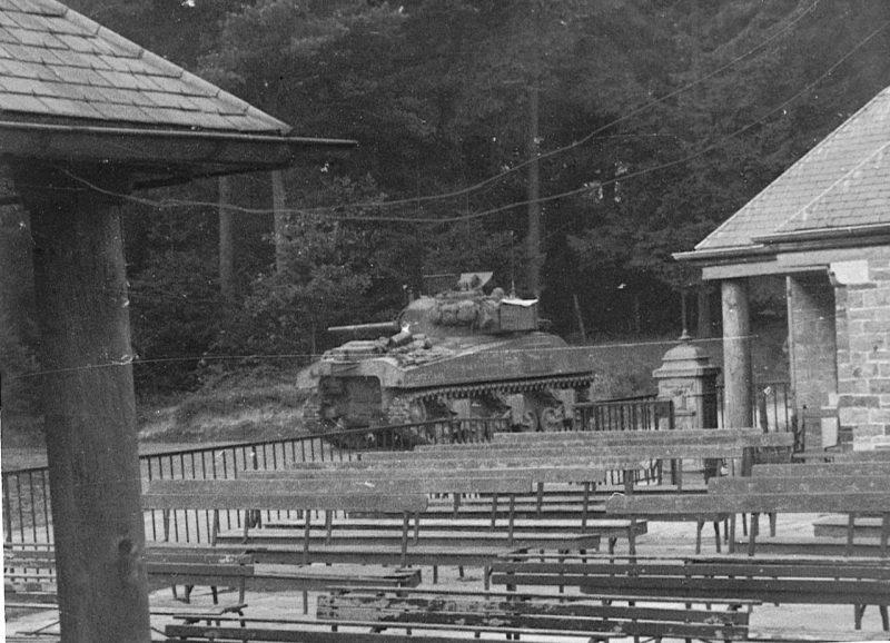 Танк «Шерман» в Динанте. Декабрь 1944 г.