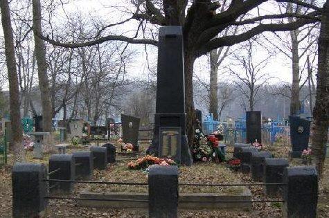 с. Рыбальское Ахтырского р-на. Братская могила воинов, погибших при освобождении села.