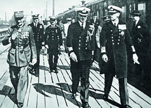 Английская и французская военные миссии в Ленинграде перед отправлением в Москву на переговоры по вопросу о взаимопомощи между СССР, Великобританией и Францией. Август 1939 года