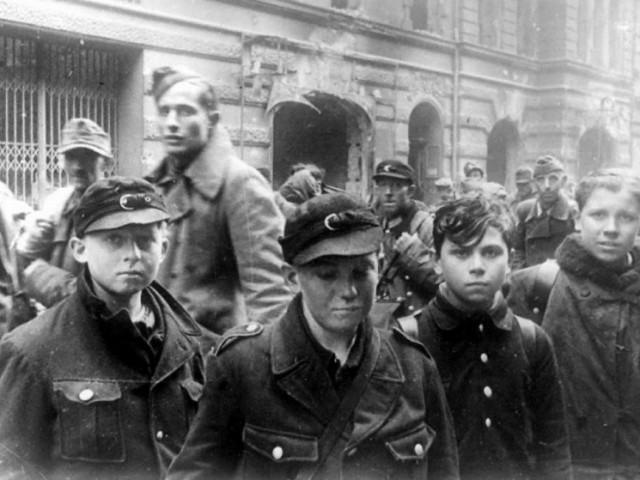 Мобилизованные подростки в Вермахт.