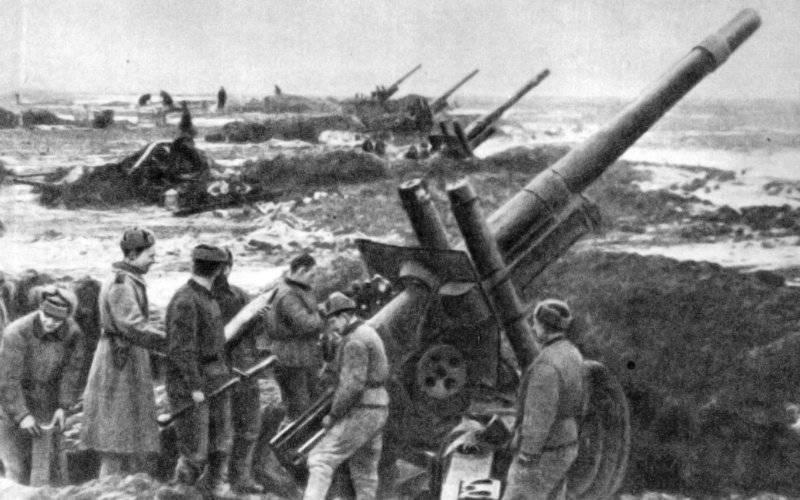 Советская артиллерия в Восточной Пруссии.