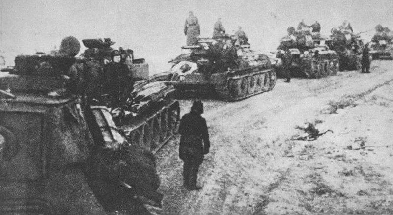 Танки 1-й армии Войска Польского в наступлении.