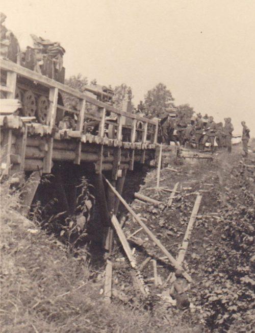 Немецкая колонна у Ярцево. Июль 1941 г.