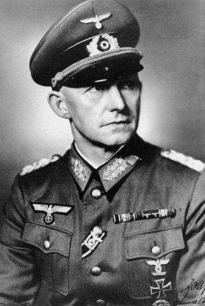 Начальник штаба оперативного руководства Верховного командования Вермахта - Альфред Йодль.