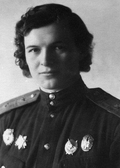 Командир 588-го авиаполка Евдокия Бершанская.