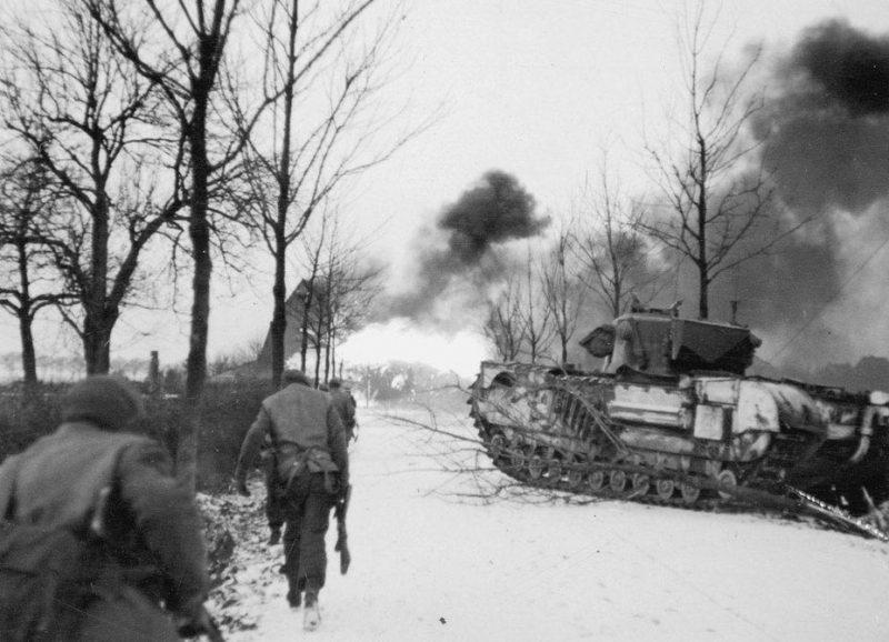Огнеметный танк «Черчилль Крокодайл» в боях за Сен-Йост.