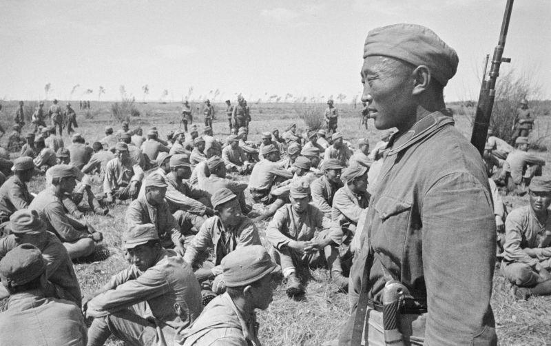 Пленные японцы в районе реки Халхин-Гол. 1939 г.