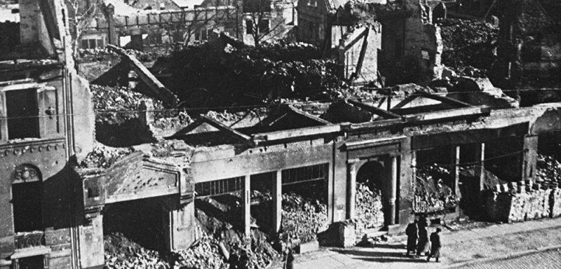 Разрушения в городе.