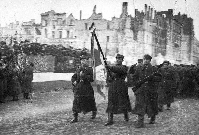 Парад 1-й армии Войска Польского на улице Маршалковской. 19 января 1945 г.