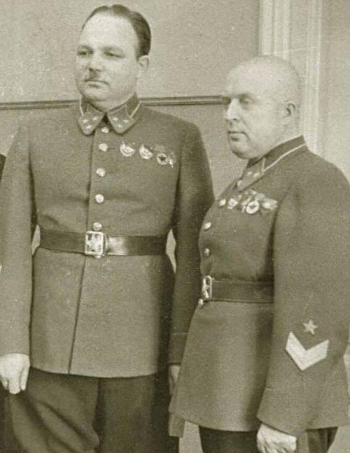 Генералы РККА со знаками различия образца 1940 года.