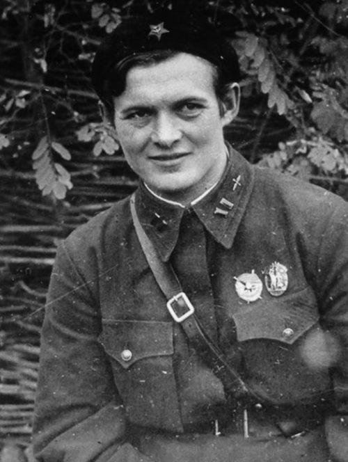Командир 588-го полка лёгких ночных бомбардировщиков майор Евдокия Бершанская. 1942 г.