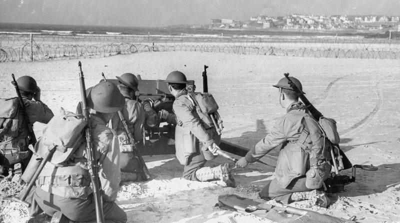 Американские артиллеристы на маневрах в Ирландии. Март 1942 г.