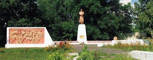 с. Артюховка Роменского р-на. Мемориал советским воинам.