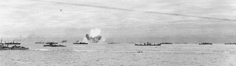 Взрыв корабля конвоя. 1941 г.