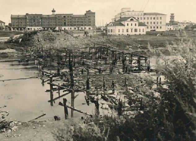 Взорванный мост через Ловать. 1941 г.