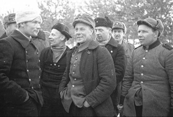 Группа пленных финских бойцов. 1940 г.