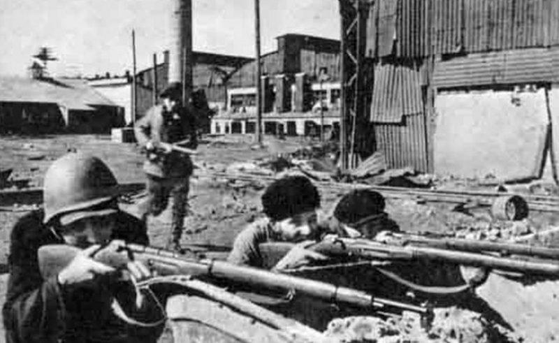 Ополченцы в обороне города. 1941 г.