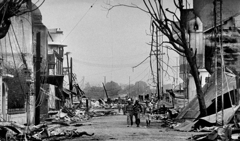 Тела филиппинцев убитых японскими солдатами при отступлении в районе Пако. Февраль 1945 г.