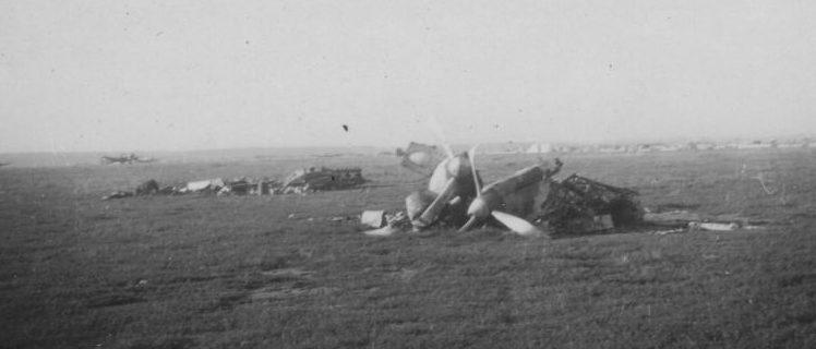 Вид на захваченный немецкими войсками аэродром у Белой Церкви. 1941 г.