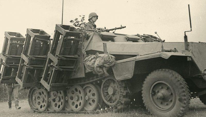 Немцы входят в город. 1941 г.