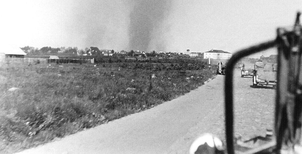 Немцы входят в город. Июль 1941 г.