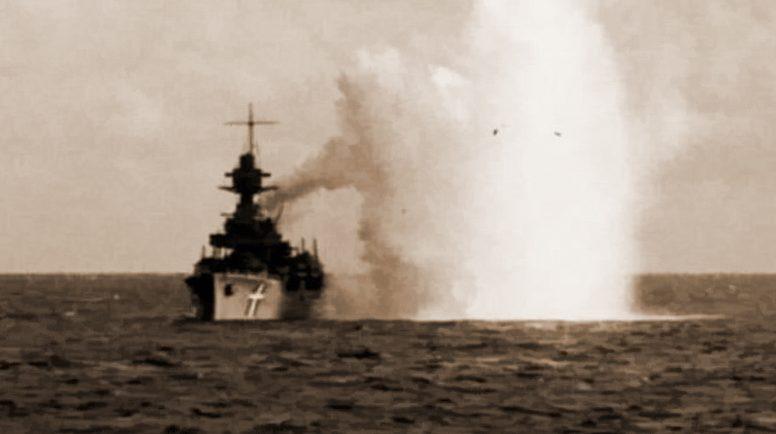 Последняя атака немецкой авиации на «Нильс Юэль», после которой корабль посадили на мель.