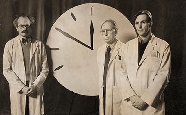 Основатели «Бюллетеня учёных-атомщиков» и учредители «Часов судного дня».