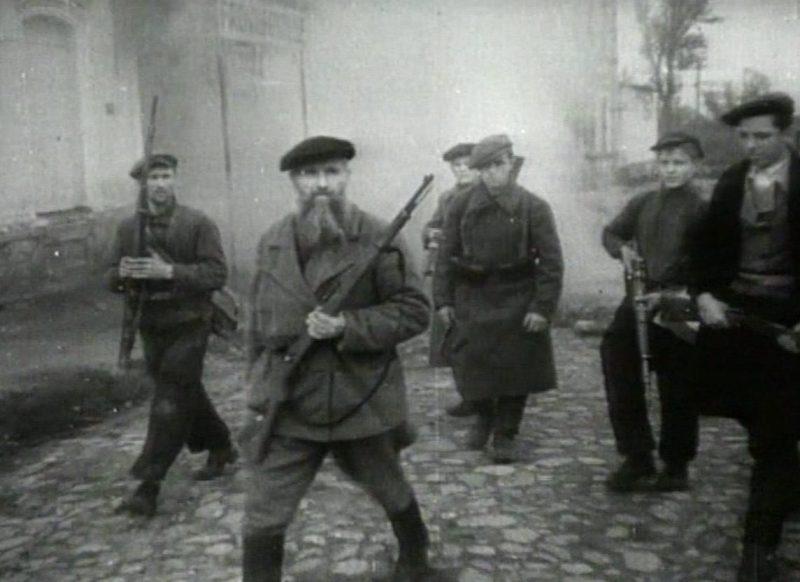 Партизаны в городе. Октябрь 1943 г.
