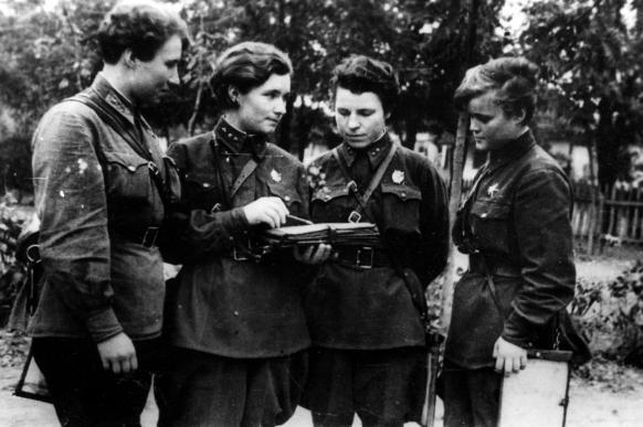 Повседневная жизнь авиаполка. 1942 г.