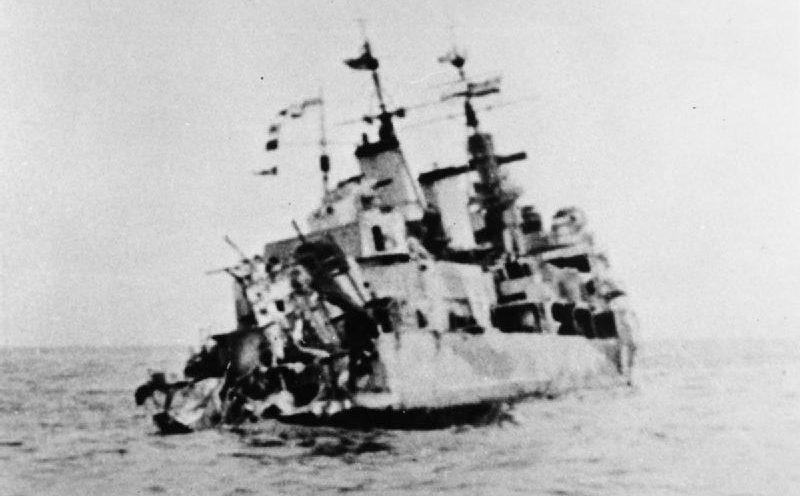 Повреждение кормы HMS «Edinburgh», нанесенное немецкой торпедой во время конвоя QP-11. Май 1942 г.