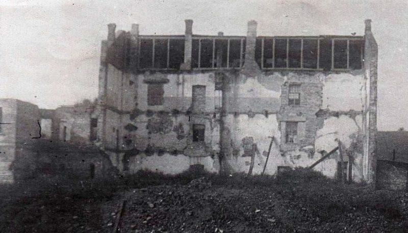 Кинотеатр, взорванный партизаном Костей Чеховичем вместе с немцами 13 ноября 1943 г.