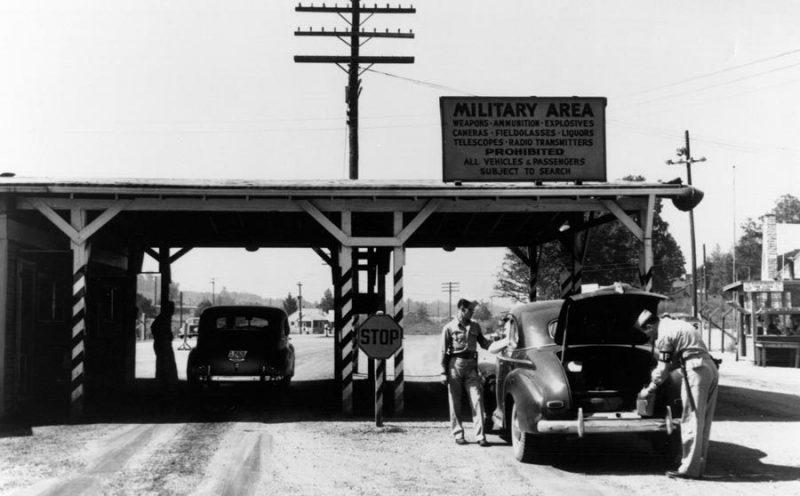 Контрольно-пропускной пункт в Ок-Ридже, штат Теннесси. 1945 г.
