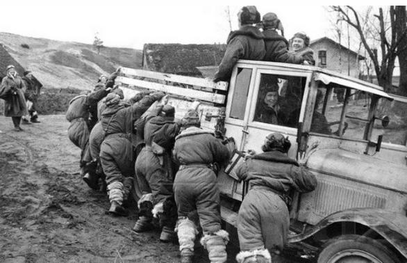 Дорога на аэродром. Кубань 1943 г.