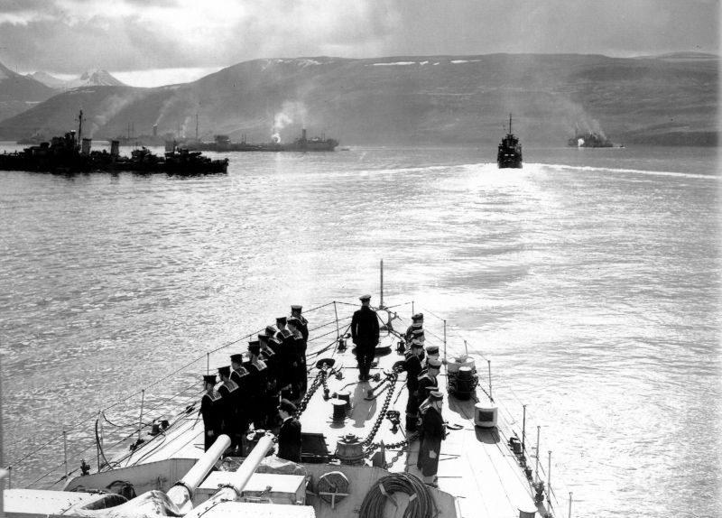 Корабли крейсерского соединения из состава сил прикрытия конвоя PQ-17 перед выходом конвоя. Июнь 1942 г.