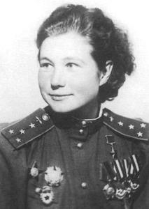 Командир эскадрильи 46-го авиаполка Герой Советского Союза Мария Смирнова. 1943 г.