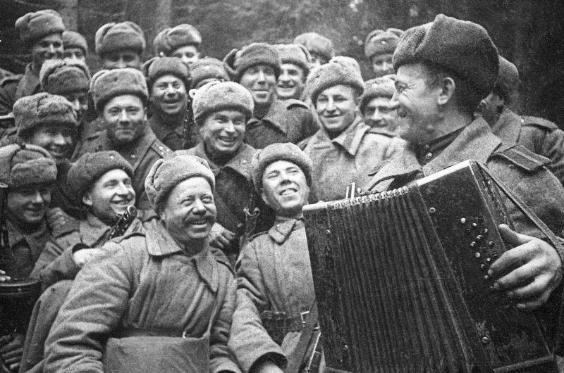 Отдых перед штурмом города Великие Луки. Январь 1943 г.