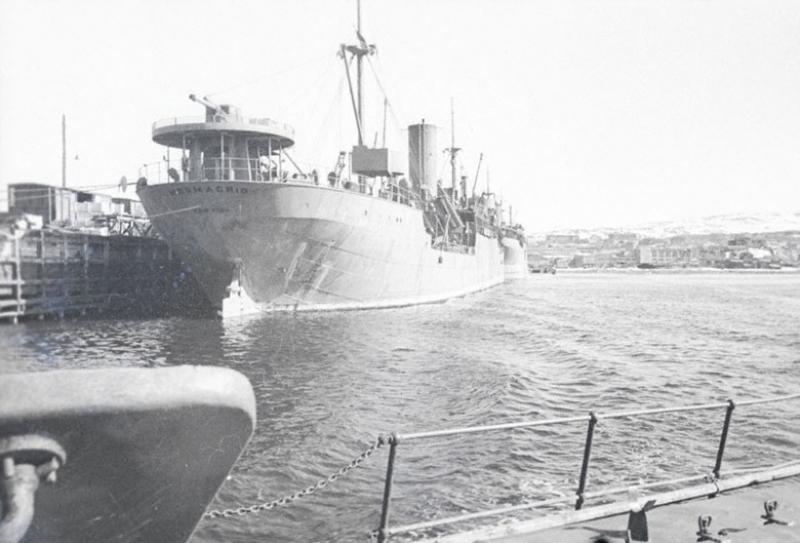 Англо-американские суда в Мурманском порту. 1942 г.