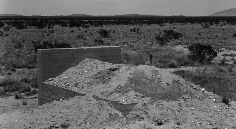 Бункеры для наблюдения за атомным взрывом на полигоне Аламогордо. Июль 1945 г.