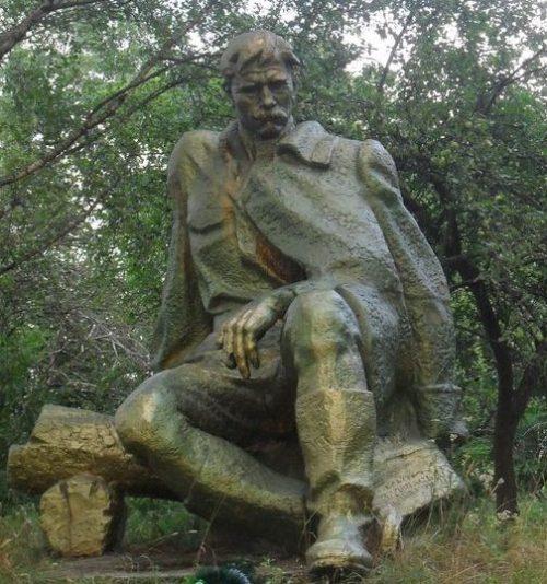 с. Мироновка Шосткинского р-на. Памятник погибшим односельчанам.