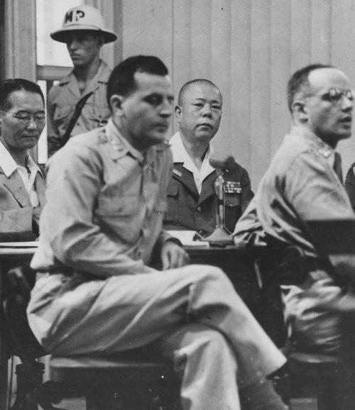 Японский генерал-лейтенант Томоюки Ямасита в зале суда в Маниле. Октябрь 1945 г.