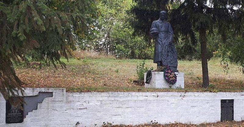 с.Новая Гребля Роменского р-на. Братская могила советских воинов.