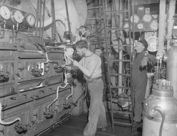 Машинное отделение HMS «Inglefield» во время арктического конвоя. Февраль 1943 г.