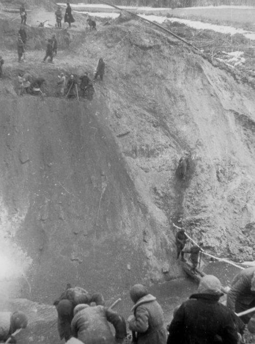 Начало строительства железнодорожного моста на линии Гжатск-Вязьма. 1943 г.