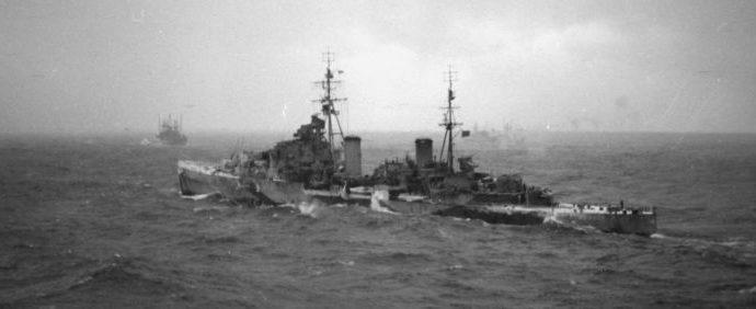 Британский лёгкий крейсер HMS «Black Prince», из состава эскорта союзного конвоя в северной Атлантике. Март 1944 г.