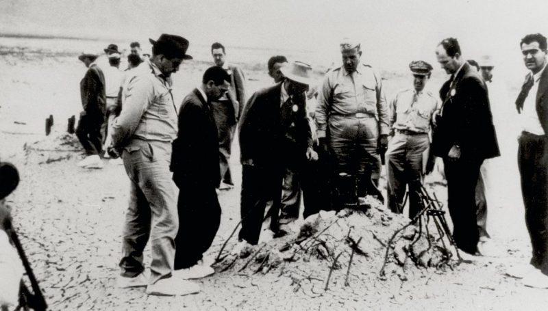 Полигон Аламогордо после атомного взрыва. Сентябрь 1945 г.