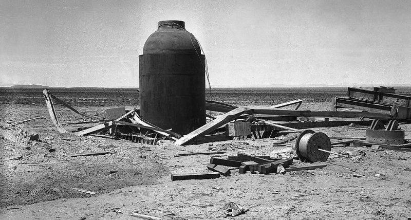 Контейнер «Джамбо» после испытания атомной бомбы. Сентябрь 1945 г.