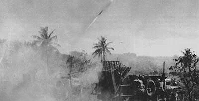 Обстрел японских позиций 110-мм ракетами на острове Иводзима. Февраль 1945 г.