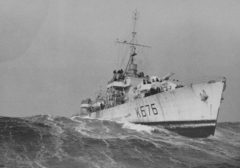 Канадский эскортный фрегат HMCS «Penetang» в Северной Атлантике. 1945 г.