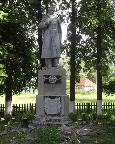 с. Никитовка Ямпольского р-на. Памятник, установленный в 1956 году на братской могиле, в которой похоронено 15 советских воинов и 3 партизана, которые погибли в 1941 и 1943 годах.