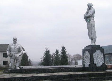 с. Палеевка Ямпольского р-на. Памятник погибшим односельчанам.